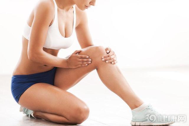 """人老腿先衰!专家公布:最毁膝盖的,要属这6种""""行为"""""""
